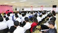 คณะครุศาสตร์อุตสาหกรรม จัดมัชฉิมนิเทศนักศึกษาฝึกประสบการณ์วิชาชีพครู ประจำปีการศึกษา 2557 โดยมีนายเกษมชัย บุญเพ็ญ รองคณบดีฝ่ายบริหาร เป็นประธานกล่าวโอวาทแก่นักศึกษาปี 5 คณะครุศาสตร์อุตสาหกรรม […]